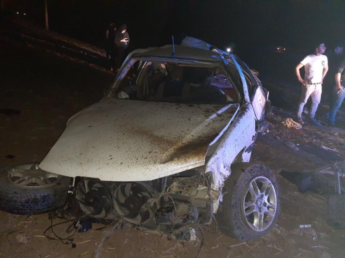 خبرنگاران واژگونی خودرو در ایذه یک کشته و یک مصدوم برجا گذاشت